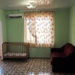 Трехкомнатный номер с детской кроваткой